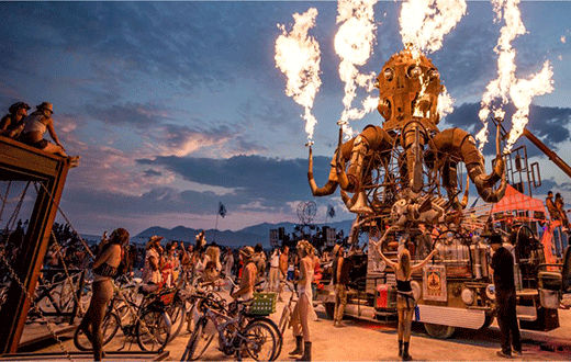 La Burning Man MADE in USA , mas alla de MAD MAX