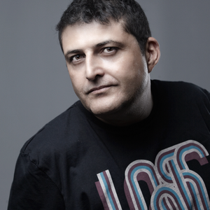 TOP DJS OLD SCHOOL: Luis Bonias (El Dj trotamundos ).