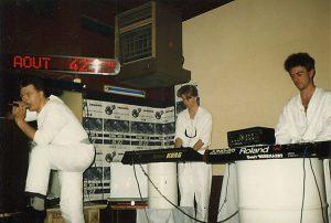 A Split Second, Robotiko Rejekto y Signal Out 42 ¿Cual es el mejor de la Historia en los estilos Electro-New Beat-EBM?